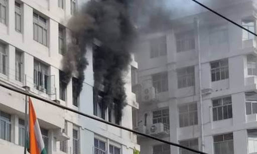 Fire breaks out at high-rise in Kolkata