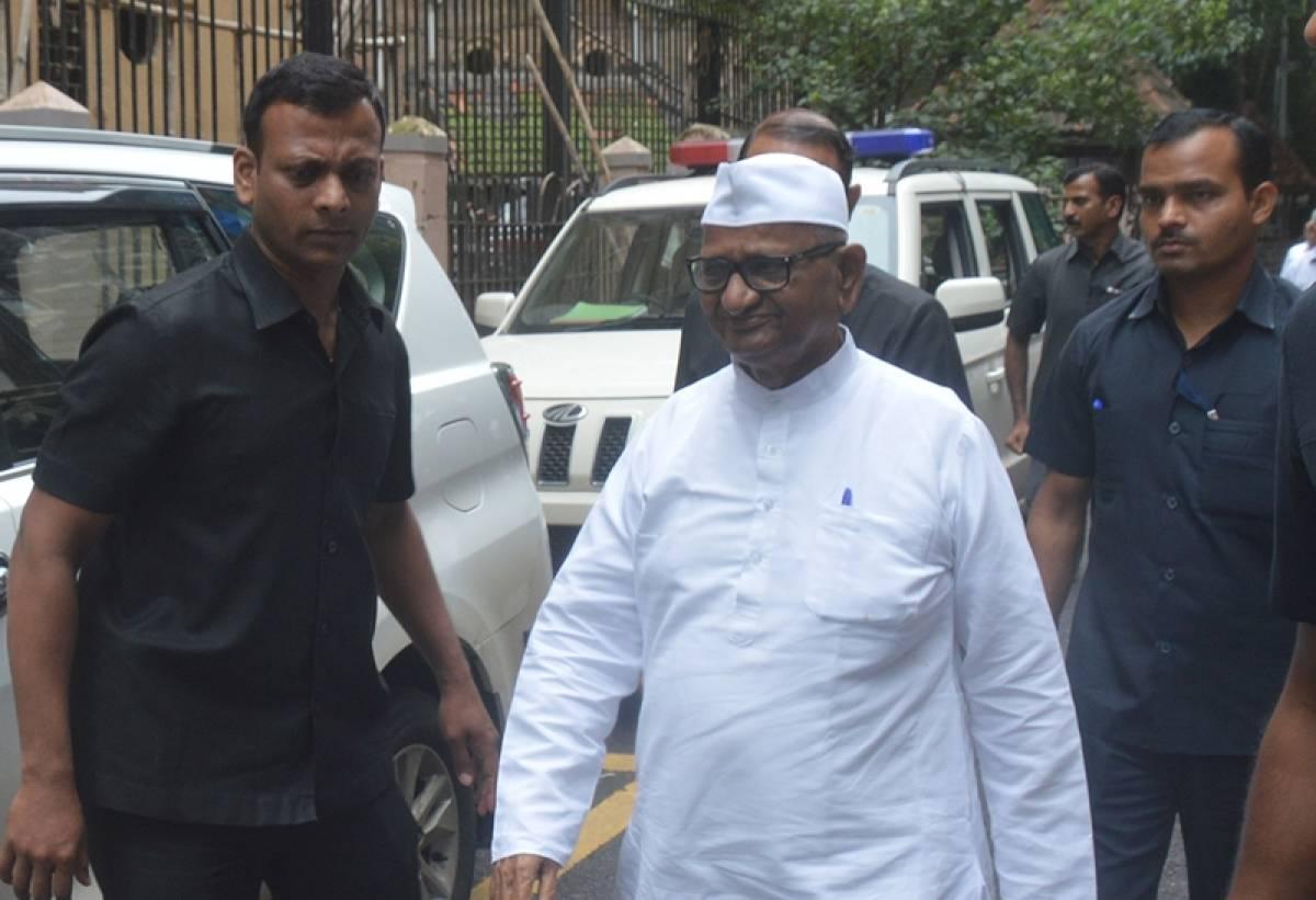Nimbalkar murder case: Anna Hazare deposes before Mumbai court