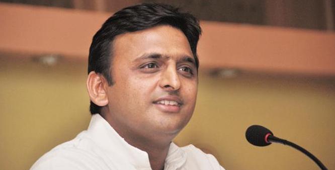 UP CM Akhilesh Yadav would distribute smartphones