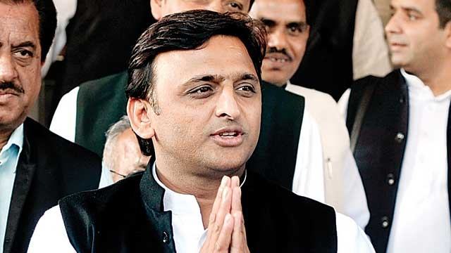 Akhilesh releases own list of candidates: Rift widens in Samajwadi Party