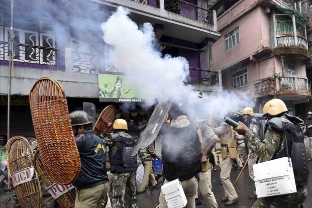 Darjeeling protests: Cop stabbed, GJM claims 2killed; Mamata denies deaths
