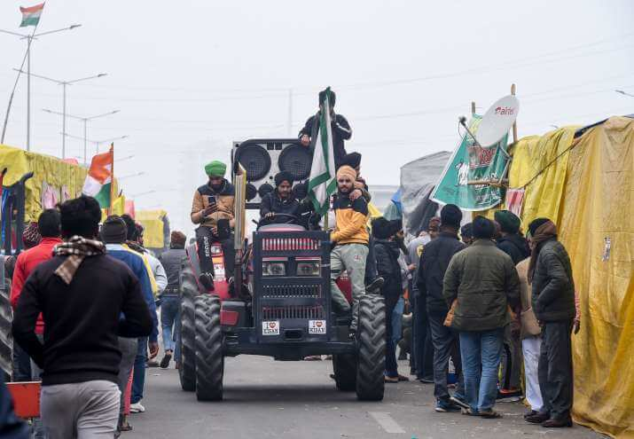 Delhi Police permits farmers tractor march on R-Day, 300 Pak Twitter handles plan disruption