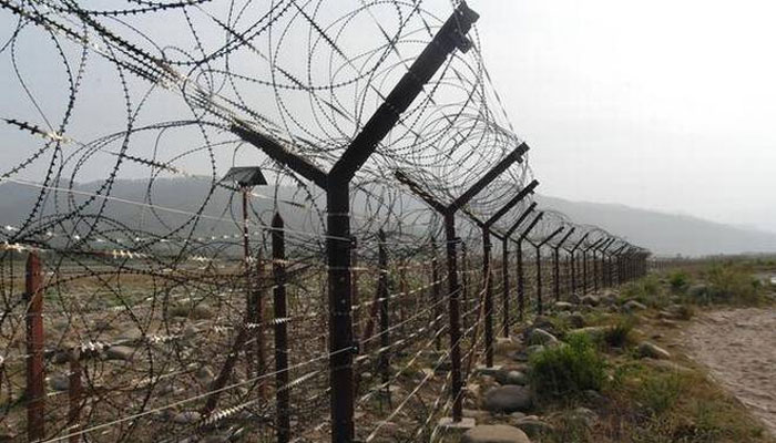 Pak shells forward posts along LoC in Poonch, Rajouri