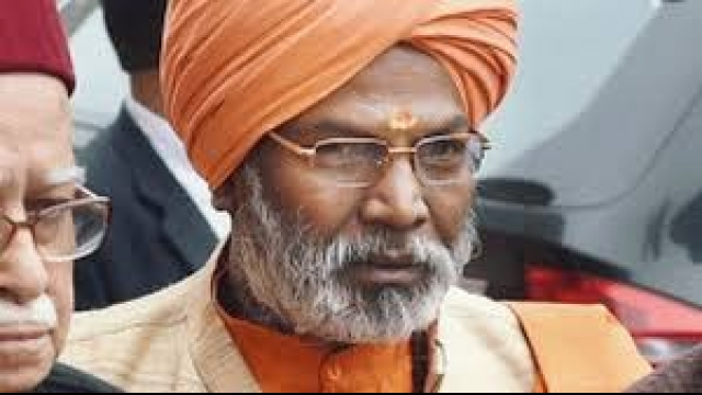 EC issues notice to Sakshi Maharaj for remarks on population control