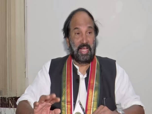 Telangana govt should waive electricity bills for BPL families and SMEs for lockdown period : Congress chief N Uttam Kumar Reddy