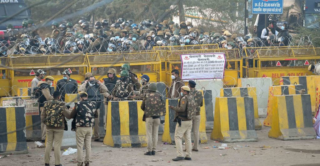 Delhi Police fire tear gas shells to disperse farmers at Singhu border