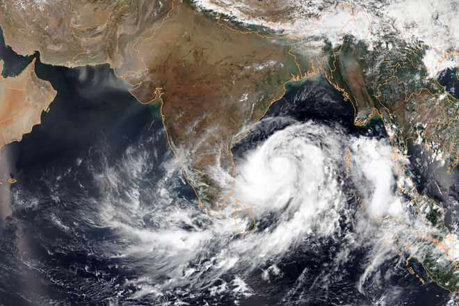 IMD alerts Cyclonic storm likely to hit coasts of Maharashtra and Gujarat in 2 to 3 days
