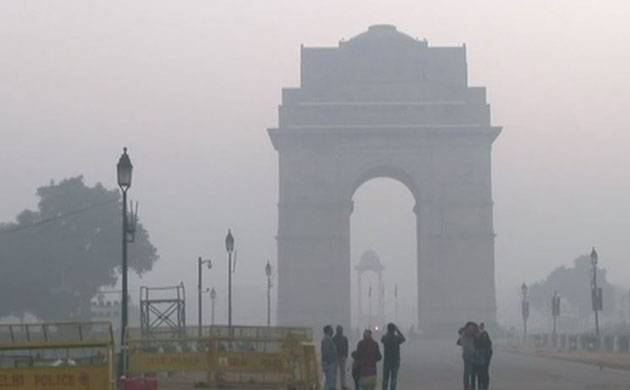 Cold morning in Delhi, mercury dips to 5 degree Celsius