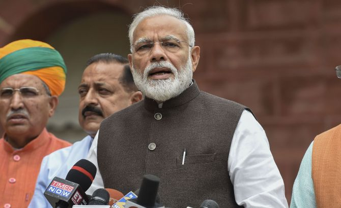 PM Modi accuses opposition speaking Pakistan