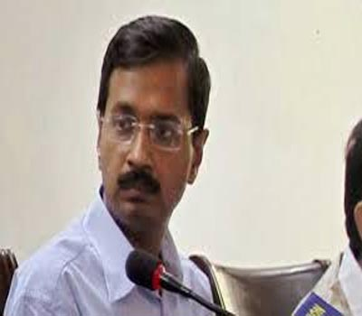 Arvind Kejriwal defends Kumar Vishwas, attacks the media