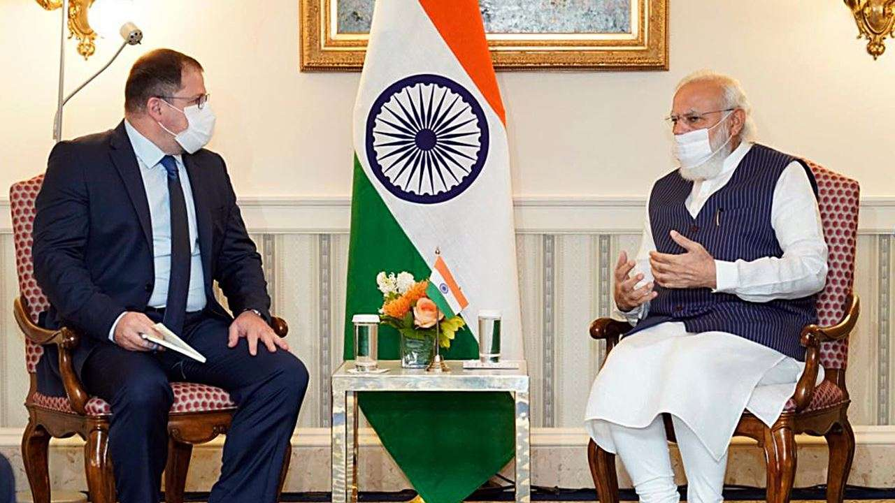 PM Modi holds meeting with global CEOs