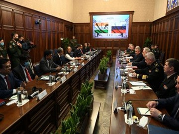 DM Rajnath Singh meets Russian counterpart in Moscow