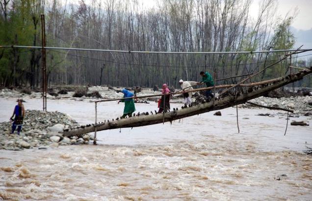 Jhelum flowing below flood level in Jammu and Kashmir valley