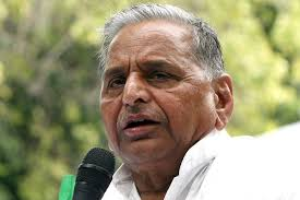 Mulayam Singh being treated for swine-flu