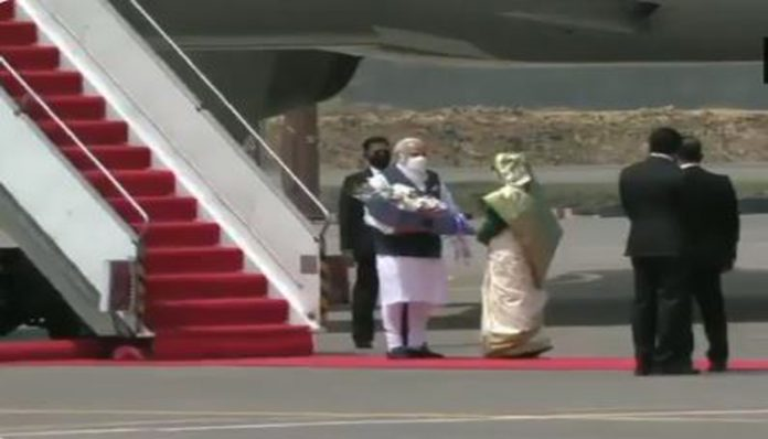PM Modi arrives in Bangladesh