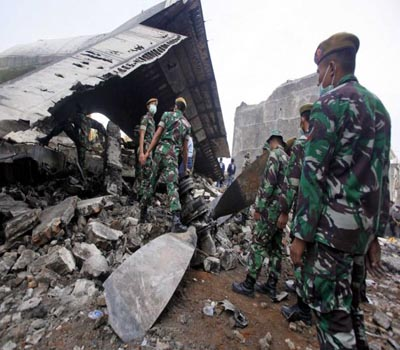 38 bodies found at Indonesian plane crash site: Official