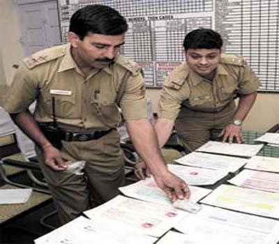 Cops raid private institute in Delhi