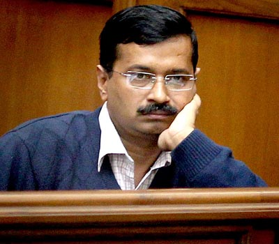 Sting tape on horse-trading by Kejriwal released, Damania quits AAP