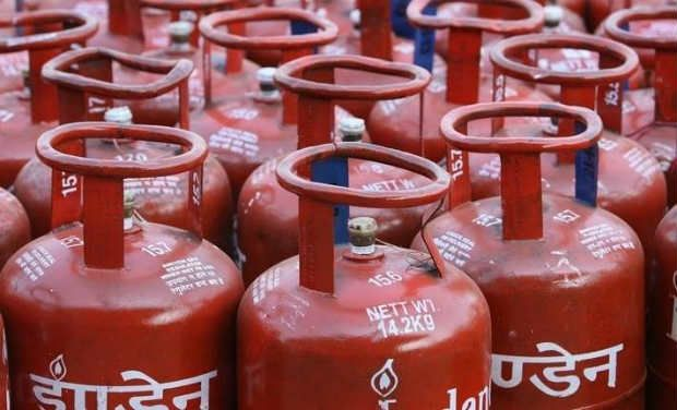 Govt withdraws LPG subsidy with income above Rs.10 lakh