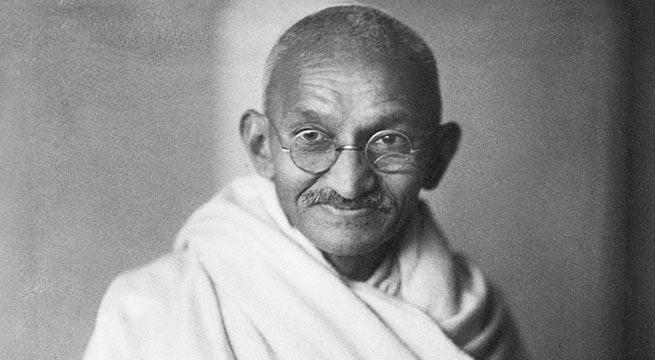 Nation pays homage to Mahatma Gandhi on his Martydom Day