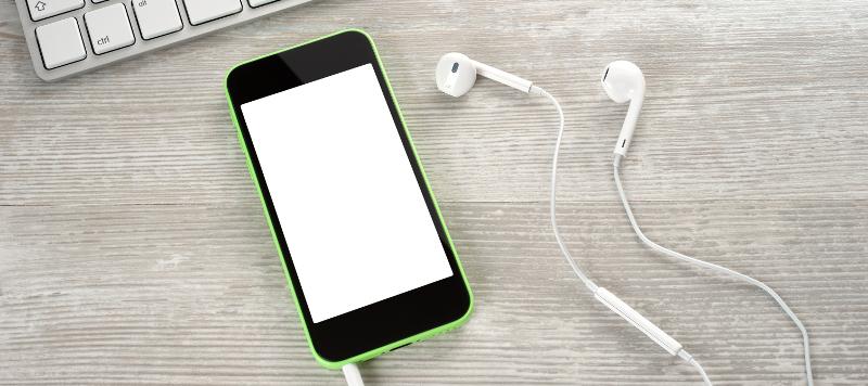 Hackers can now attack smartphones through earphones