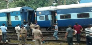 Bangalore Mail derails near Basin Bridge